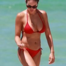Jaclyn Swedberg sexy bikini candids on the Miami Beach 13x UHQ photos