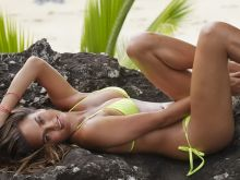 Chrissy Teigen 2014 Sports Illustrated Swimsuit photo shoot 27x HQ
