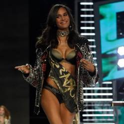 Cindy Bruna, Bruna Lirio sexy lingerie 2017 Victoria's Secret Fashion Show 13x MixQ photos