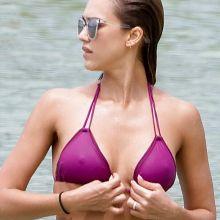 Jessica Alba pokies in purple bikini candids on the beach in Hawaii 10x MixQ photos