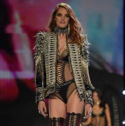 Alexina Graham, Blanca Padilla sexy lingerie 2017 Victoria's Secret Fashion Show 20x MixQ photos