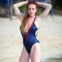 Lindsay Lohan sexy swimsuit photo shoot on the beach in Mauritius 13x UHQ photos