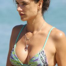 Alessandra Ambrosio sexy bikini candids on the beach in Mykonos 29x HQ photos