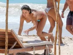 Arianny Celeste topless candids on the beach in Mexico 23x MixQ uncensored photos