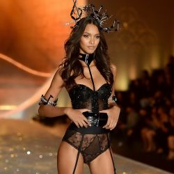 Lais Ribeiro 2013 Victoria's Secret Fashion Show 5x UHQ