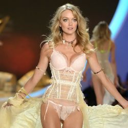 Lindsay Ellingson 2013 Victoria's Secret Fashion Show 12x UHQ