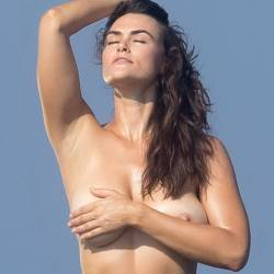 Myla Dalbesio topless photoshoot for Sports Illustrated Swimsuit in Aruba 16x HQ photos