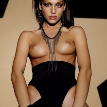 Jessica Alba topless Vogue magazine cover photoshoot UHQ