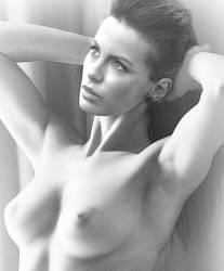 Kate Beckinsale full naked painting HQ