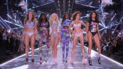 The Victorias Secret Fashion Show 2018 1080p