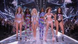 The Victorias Secret Fashion Show 2018 1080p