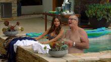 Sofia Vergara - Modern Family S08 E10 720p big boobs and ass in sexy swimsuit scene