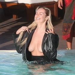 Candice Swanepoel topless boobs pop out nip slip on Vogue magazine photo shoot in Rio de Janeiro 26x MixQ photos