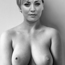 Kaley Cuoco private topless photo HQ