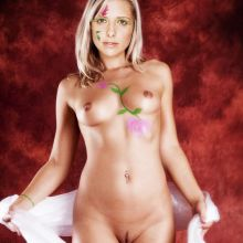Sarah Michelle Gellar young and nude photo UHQ