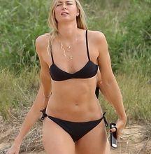 Maria Sharapova sexy bikini candids on the beach in Hawaii 23x MixQ photos