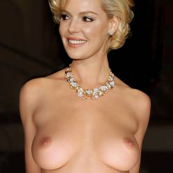 Katherine Heigl full frontal nude for Vogue magazine cover UHQ